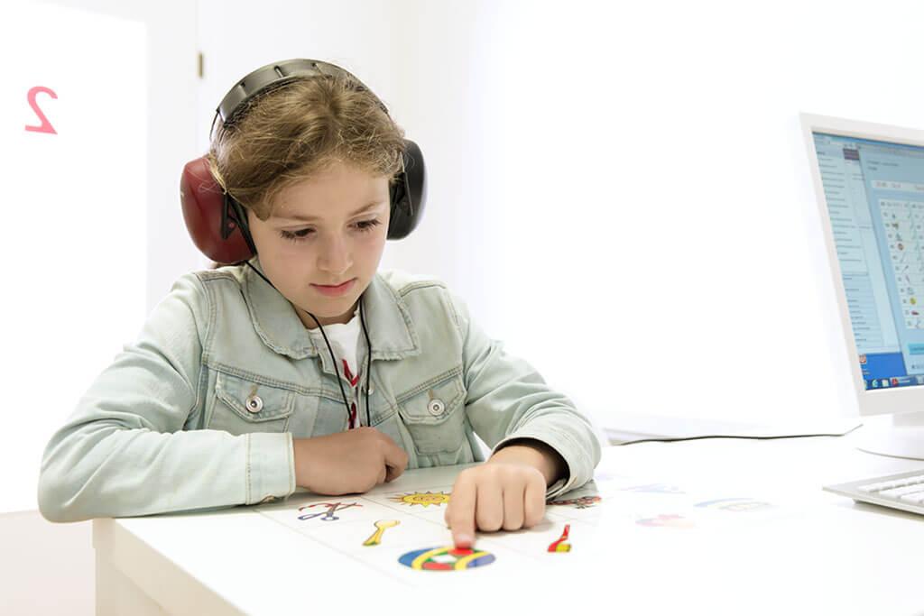 Dr. Amelie Erbler bietet Hörtest für Kinder an